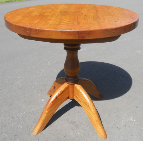 Pitch Pine Pedestal Breakfast Table
